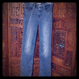 TWO PAIRS Levi's Shaping Straight Jeans